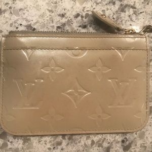 Louis Vuitton Bags - Louis Vuitton Monogram Vernis coin wallet keychain